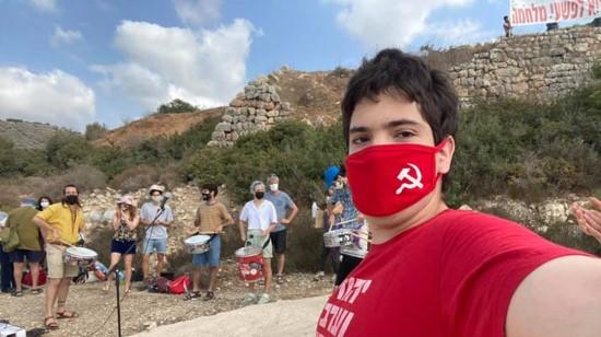 עשרות הפגינו מול כלא 6 בדרישה לשחרר את סרבנית המצפון הלל רבין