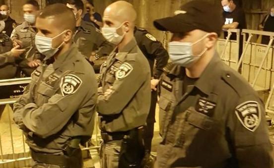 האגודה לזכויות האזרח דורשת להפסיק להקים מכלאות למפגינים נגד שלטון הימין