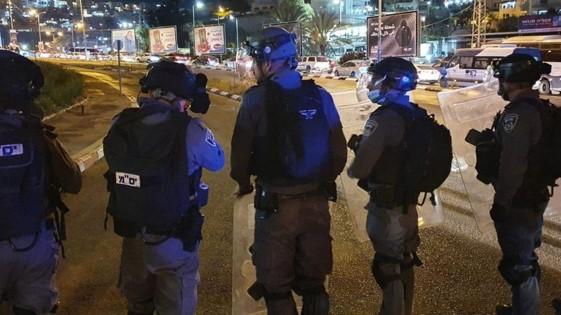 הפגנה באום אל-פחם: במקום לחפש את הרוצחים המשטרה מדכאת את המפגינים