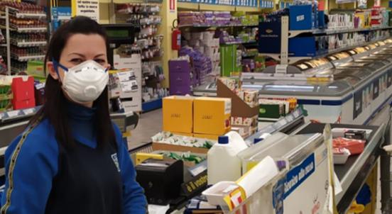 אחרי עובדי ההוראה: ההסתדרות דורשת לתעדף קופאיות בסופרמרקטים בחיסוני הקורונה