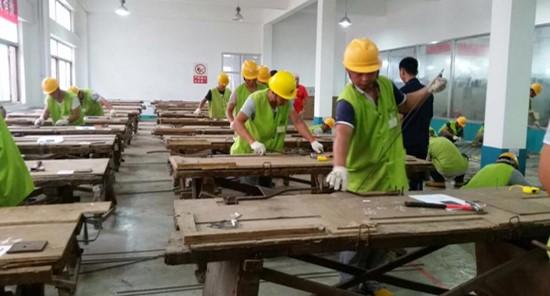 בית המשפט שחרר חמישה נערים החשודים בתקיפה גזענית של פועלים סינים