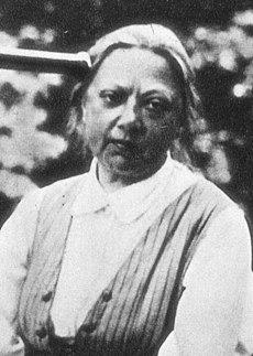 ב26 בפברואר 1869 נולדה המהפכנית הבולשביקית נַאדֶּזְ'דַּה קונסטנטינובנה קְרוּפְּסְקַיַה