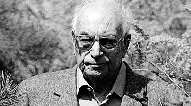 ב-28 בפברואר 2015 מת הסופר הטורקי הידוע ישר כאמל