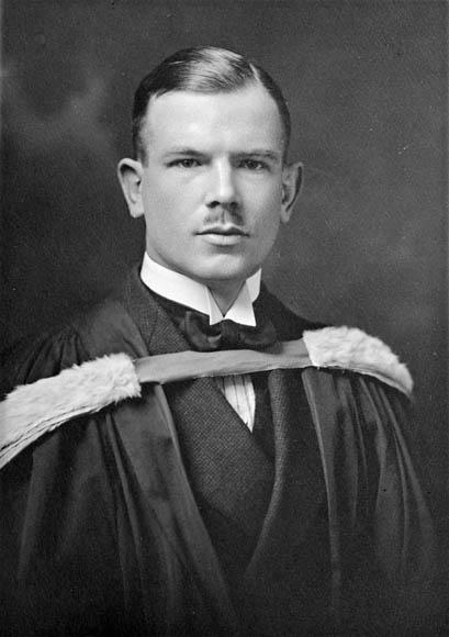 ב-3 במרץ 1888 נולד הרופא וחבר המפלגה הקומוניסטית הקנדית הנרי נורמן בת'ון