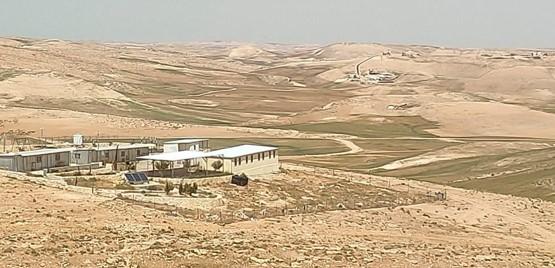 בח'ירבת אלמג'אז שבדרום הר חברון אסור לבנות, אסור להקים תשתיות ואסור להחזיק רכב