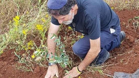 הרב אריק אשרמן הוכה קשות בידי מתנחל בעת שסייע לרועים פלסטינים