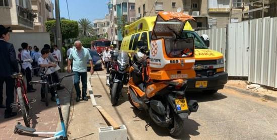 עובד נהרג מנפילה בסמוך לערד בעת שהתקין ציוד חירום; פועל נפצע קשה בבני ברק