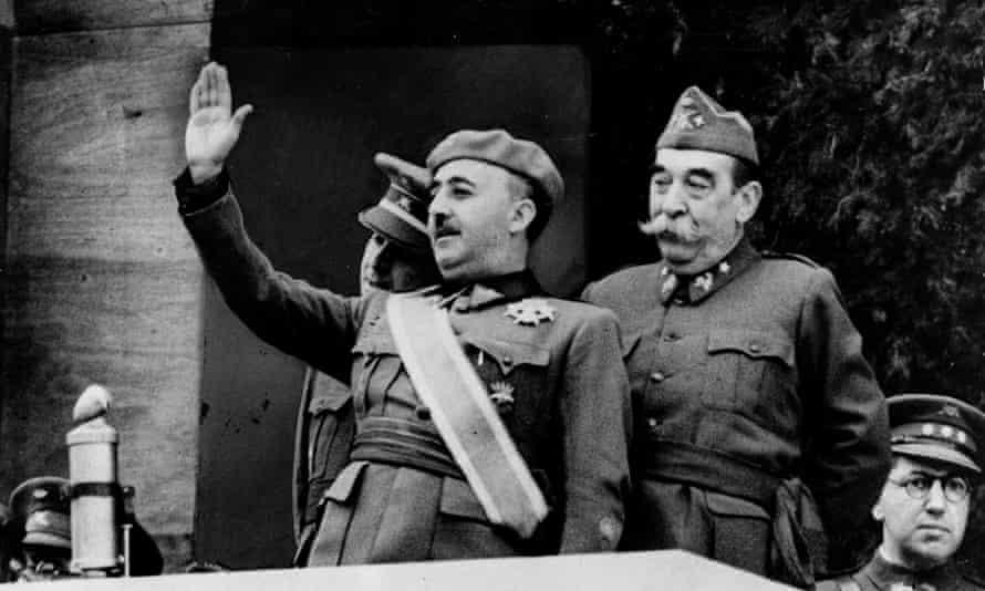 אחרוני כוחות השמאל והכוחות הרפובליקאים נכנעים בפני כוחות הפאשיזם הספרדי