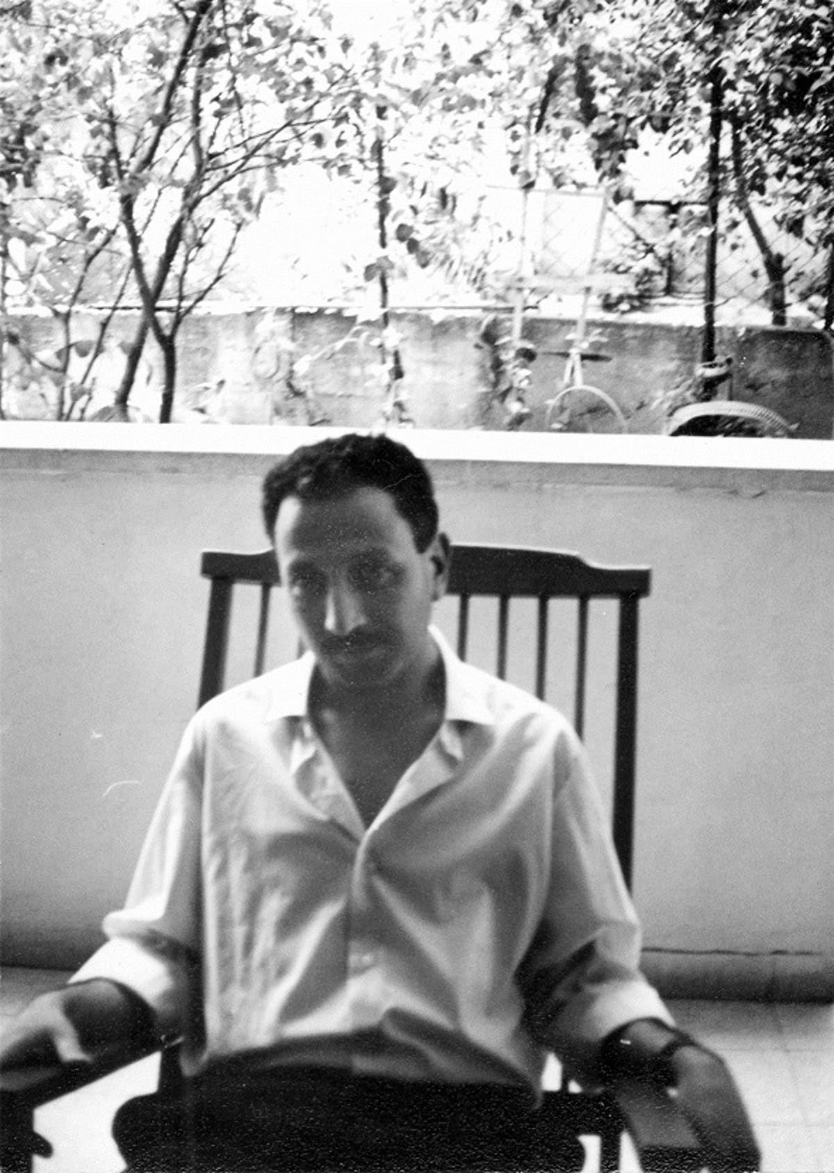 שיריו כולם היו מחאה: נפטר המשורר והסופר אהרון אלמוג