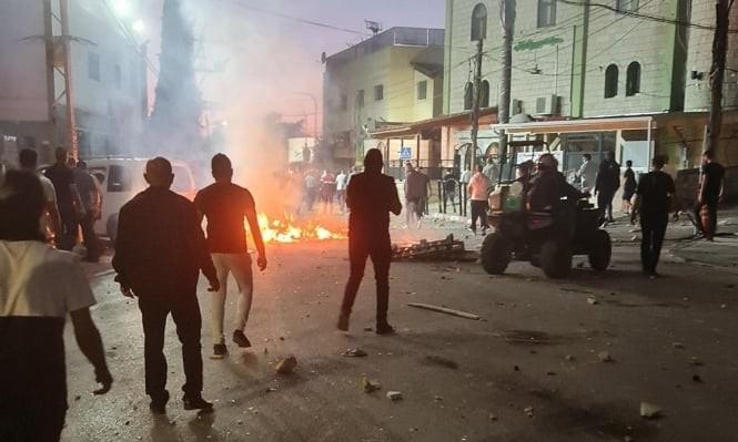 """פעילי חד""""ש נעצרו בשפרעם; 50 פצועים בעת מעצרו של השייח' חטיב"""
