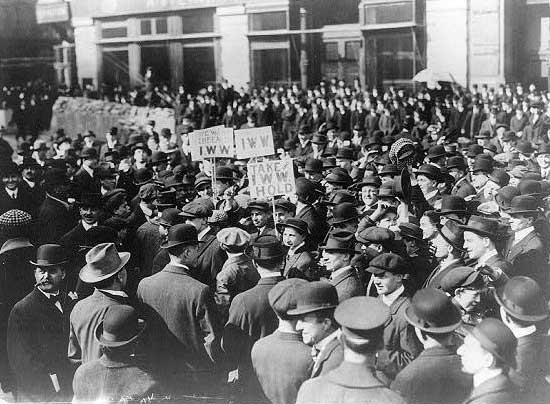 """איגוד אחד גדול – הייתה סיסמתה של ארגון """"פועלי התעשייה של העולם"""" ; כנס היסוד התקיים ב-27 ביוני 1917"""