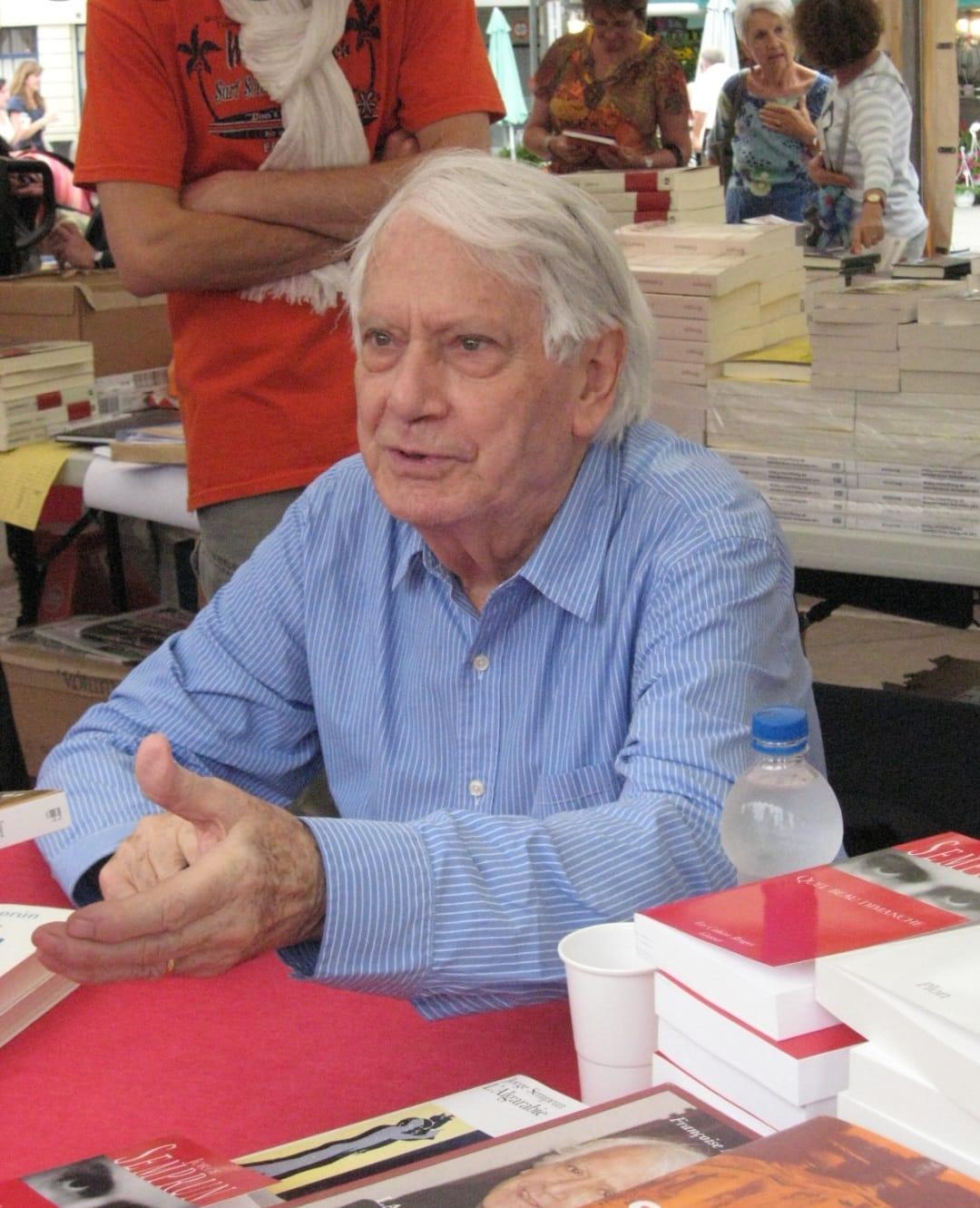 הסופר הספרדי הגולה חורחה סמפרון ; מת בפריז ב-7 ביוני 2011