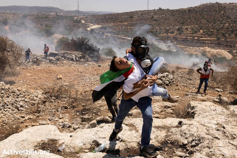 תוך שבועיים הרגו חיילים ומתנחלים פלסטיני אחד ופצעו 981 נוספים, בהם 133 ילדים