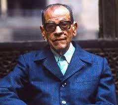 נגיב מחפוז חלוץ הרומן הערבי וסופר עטור פרסים ושבחים ; מת ב-30 באוגוסט 2006 (לפני 15 שנים) בעיר גיזה
