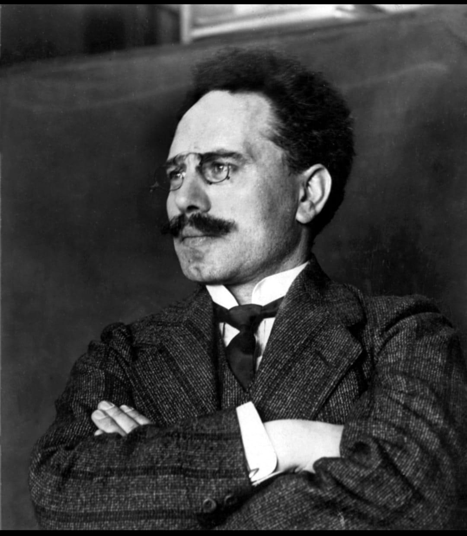 לפני 150 שנים ב-13 באוגוסט 1871 נולד קרל ליבקנכט תיאורטיקן וממנהיגי הקומוניסטים הגרמנים לדורותיהם