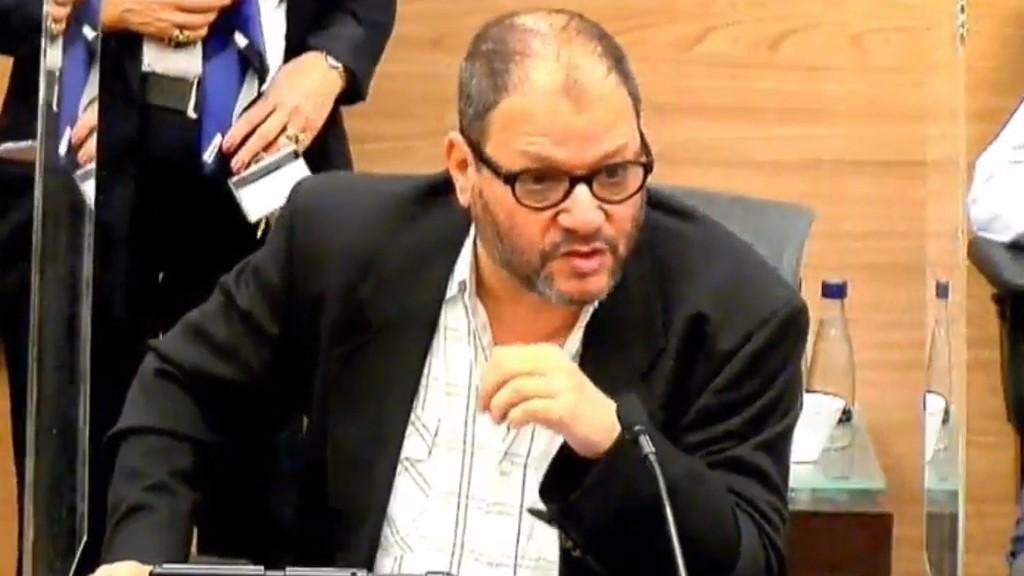 """ח""""כ כסיף בדיון בוועדת הכספים: המדינה מסירה את אחריותה לחסכון הפנסיוני של אזרחיה"""