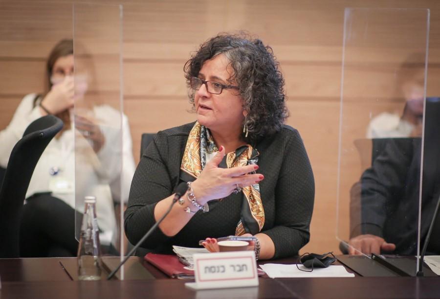 """יו""""ר הוועדה לקידום מעמד האשה: הפשרה שהושגה בהעלאת גיל הפרישה – כישלון"""
